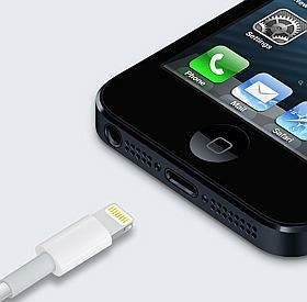 iPhone 5 Lightning Connection
